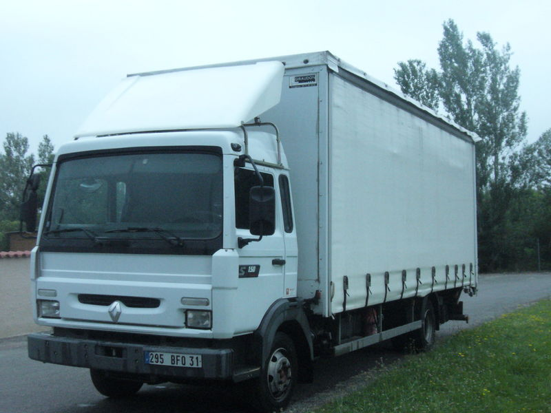 Renault midliner photo - 2