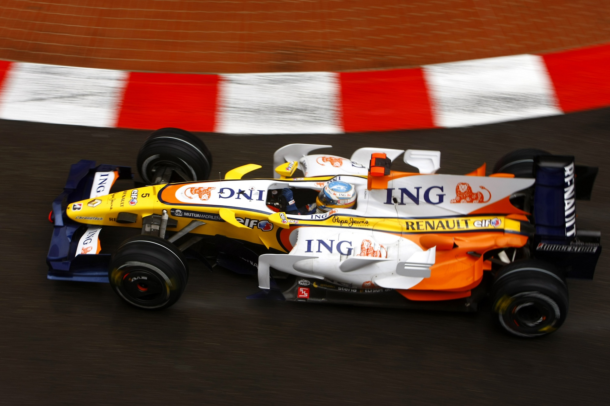 Renault r28 photo - 1