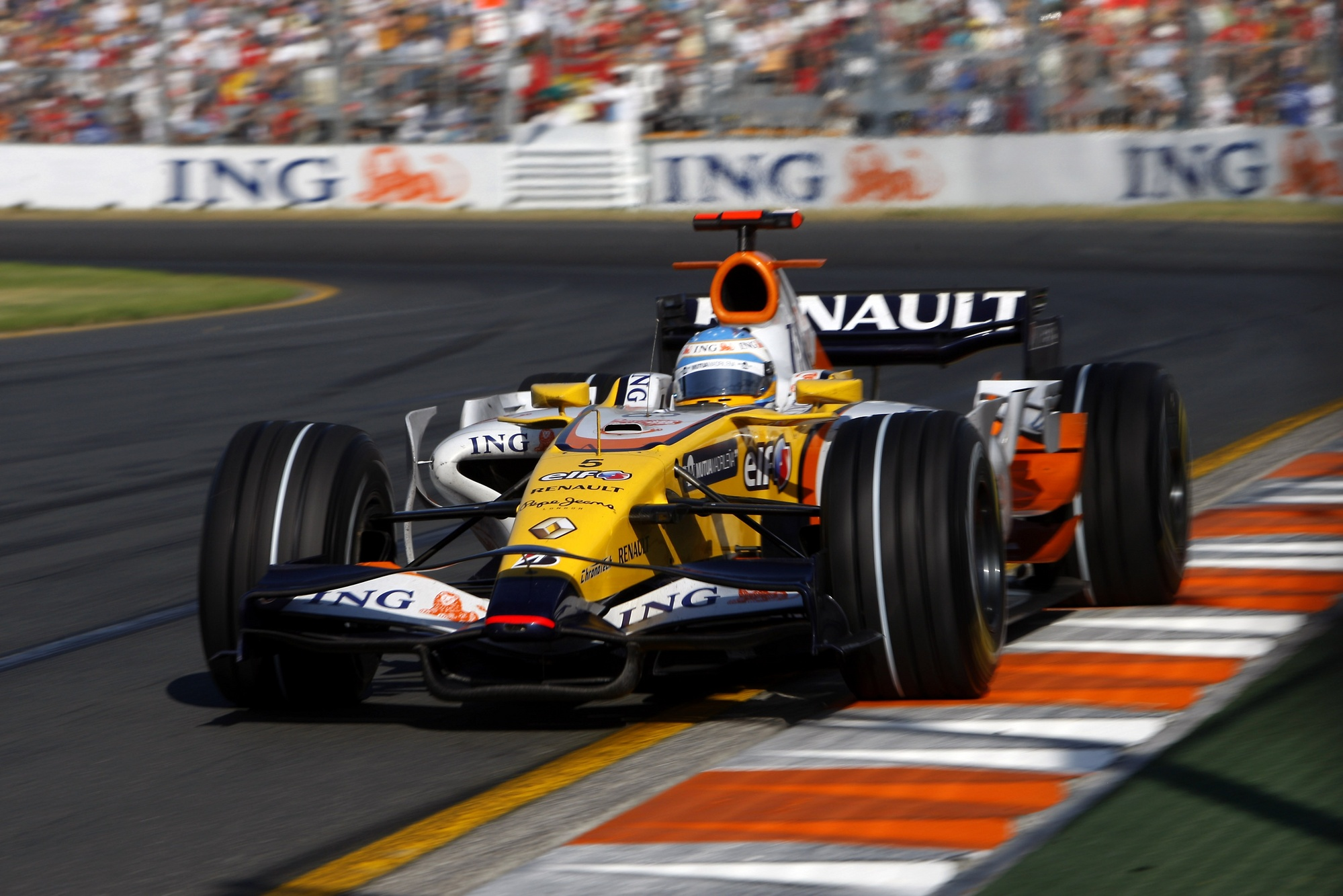 Renault r28 photo - 10