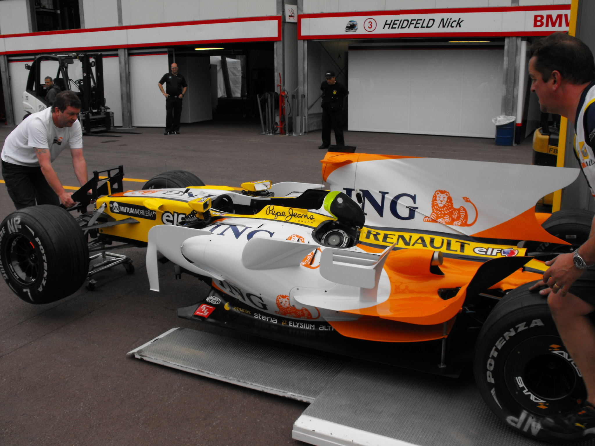 Renault r28 photo - 4