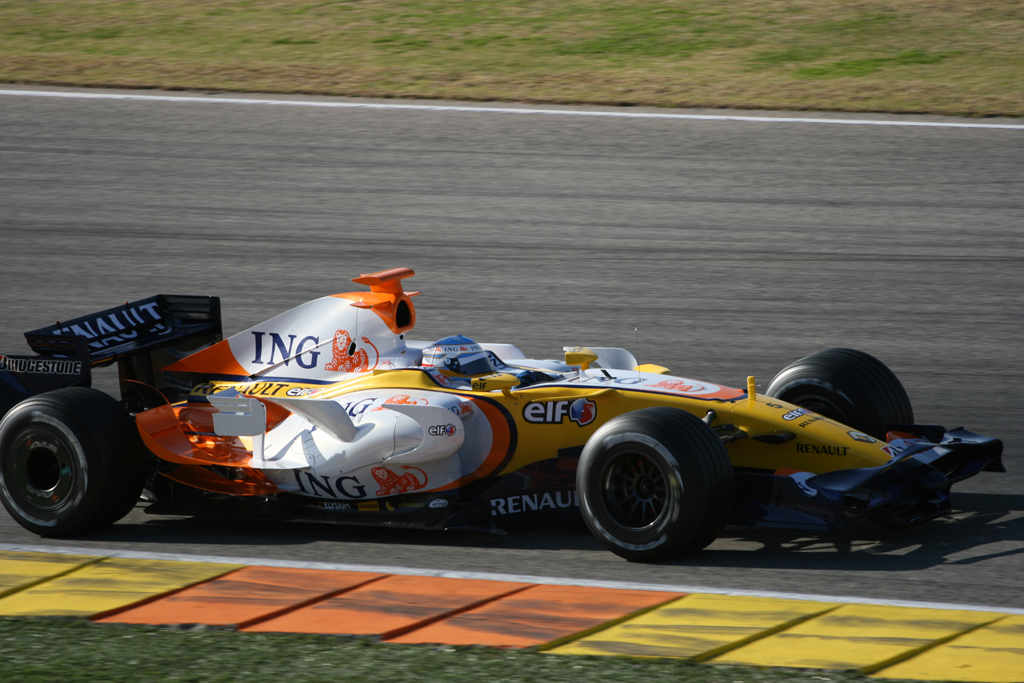 Renault r28 photo - 5