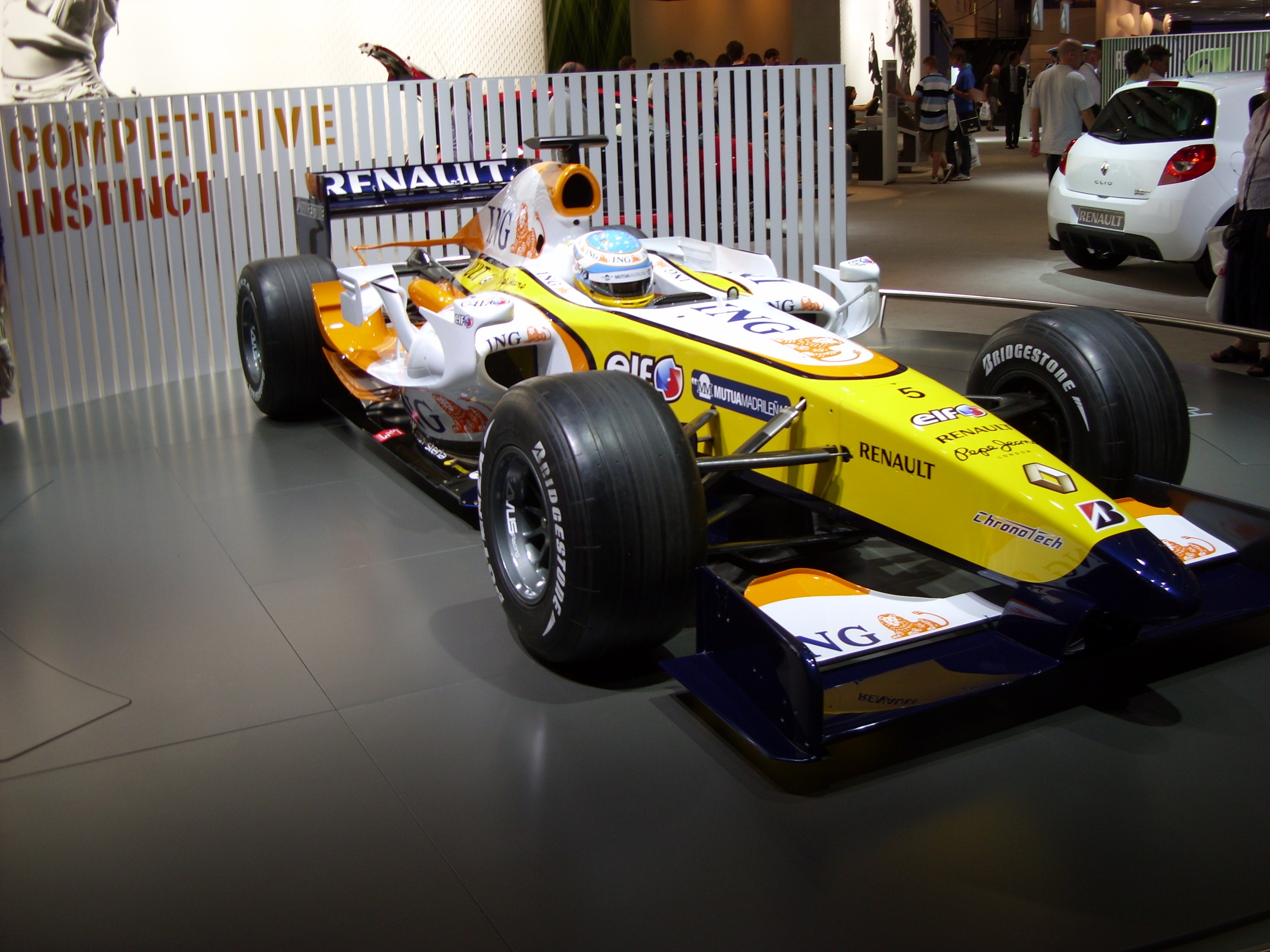 Renault r28 photo - 7