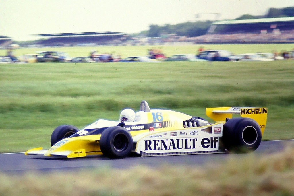 Renault rs10 photo - 5