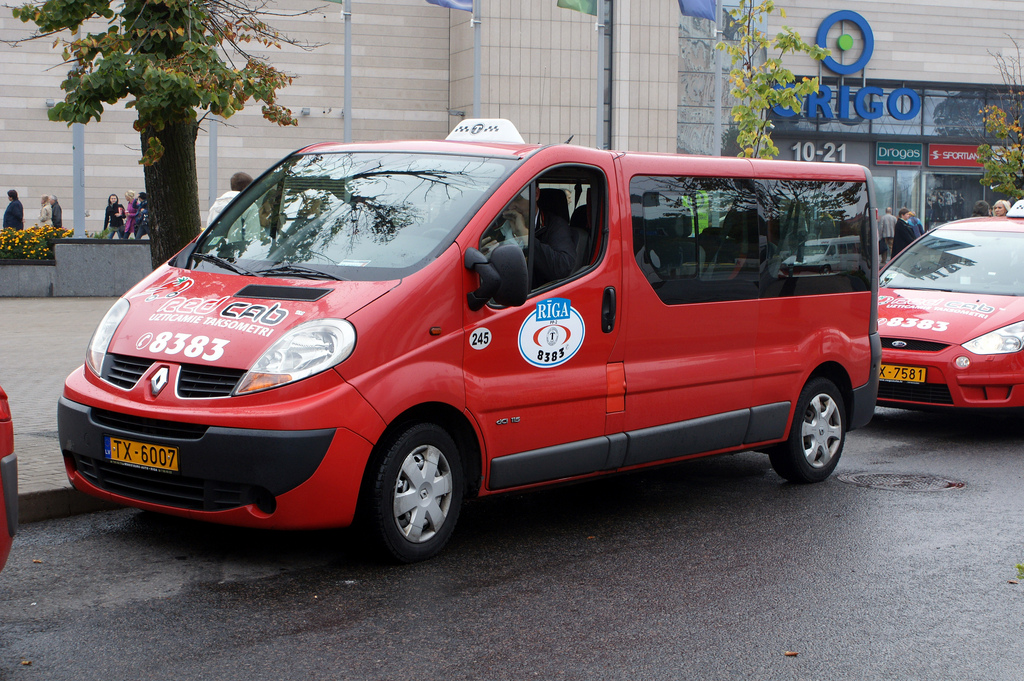 Renault taxi photo - 3