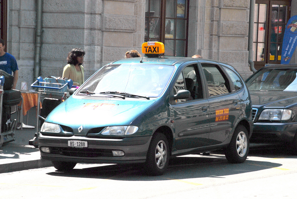 Renault taxi photo - 5