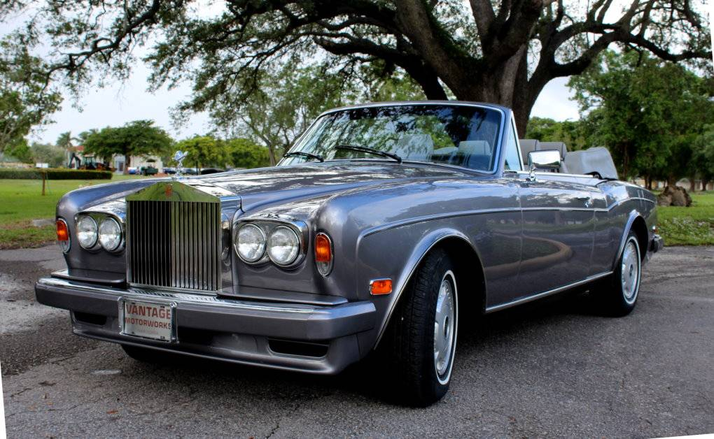 Rolls royce corniche photo - 10