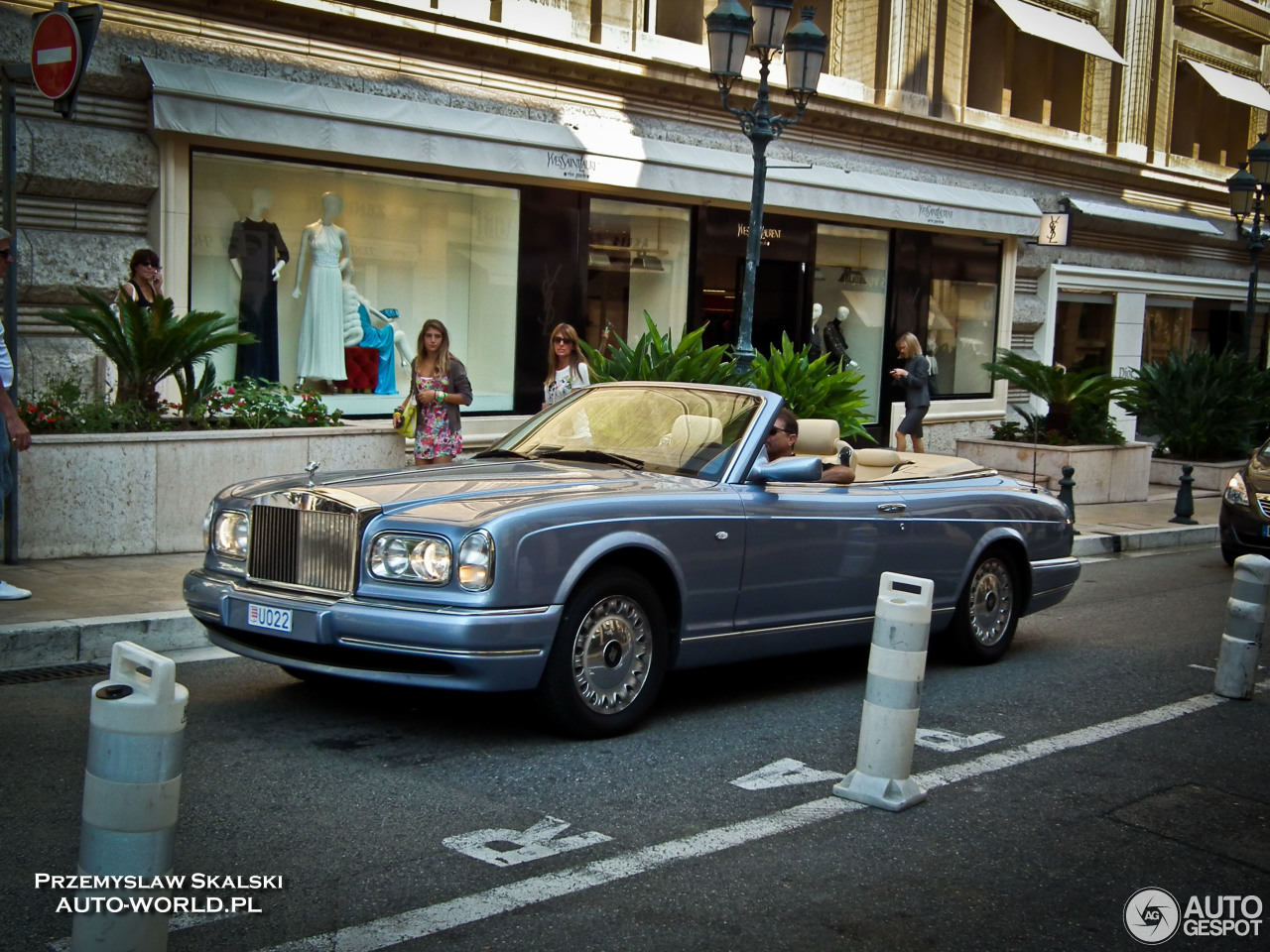 Rolls royce corniche photo - 8