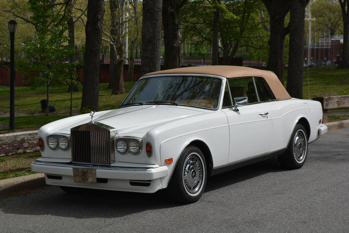 Rolls royce corniche photo - 9