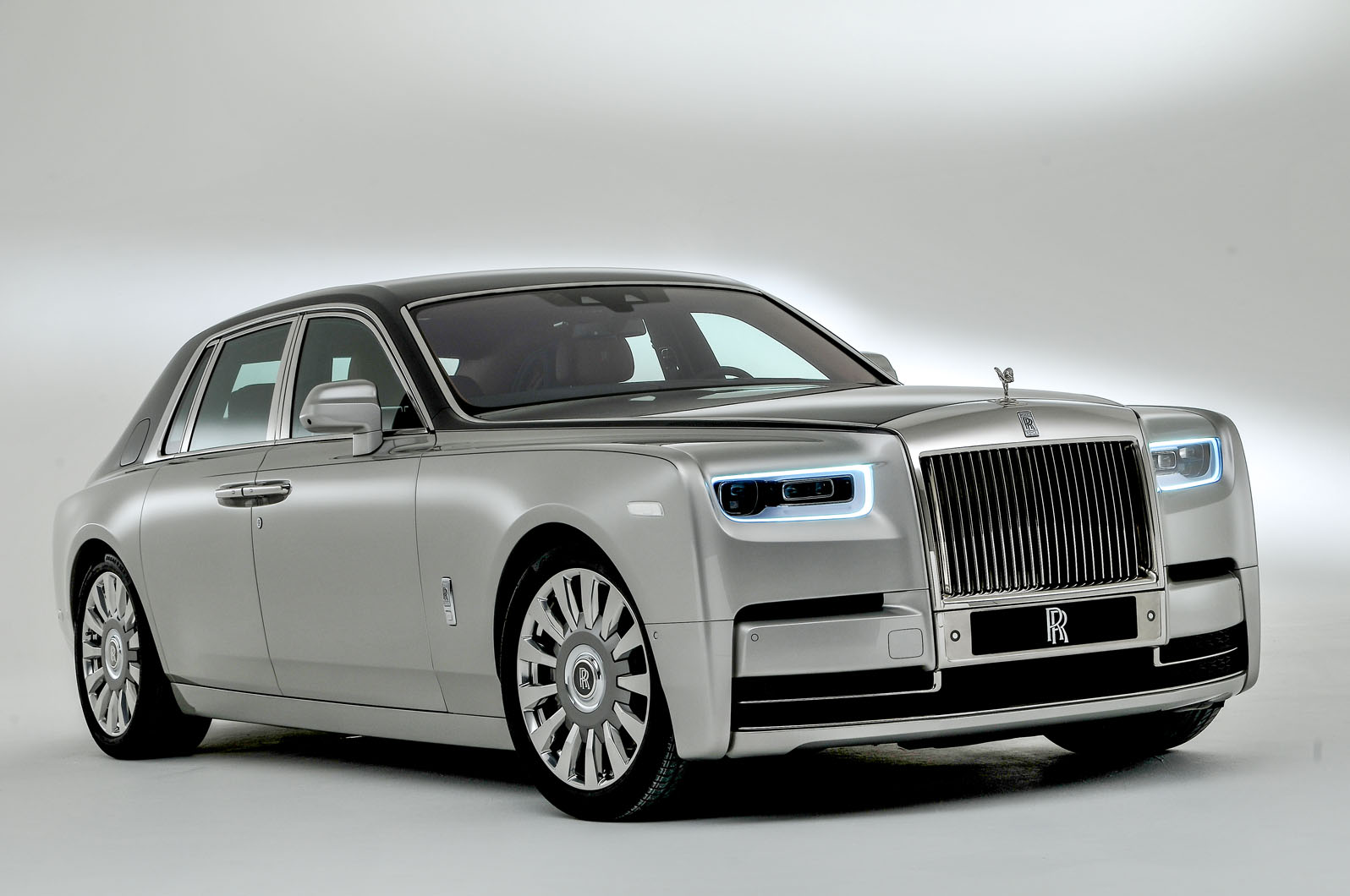 Rolls royce phantom photo - 6