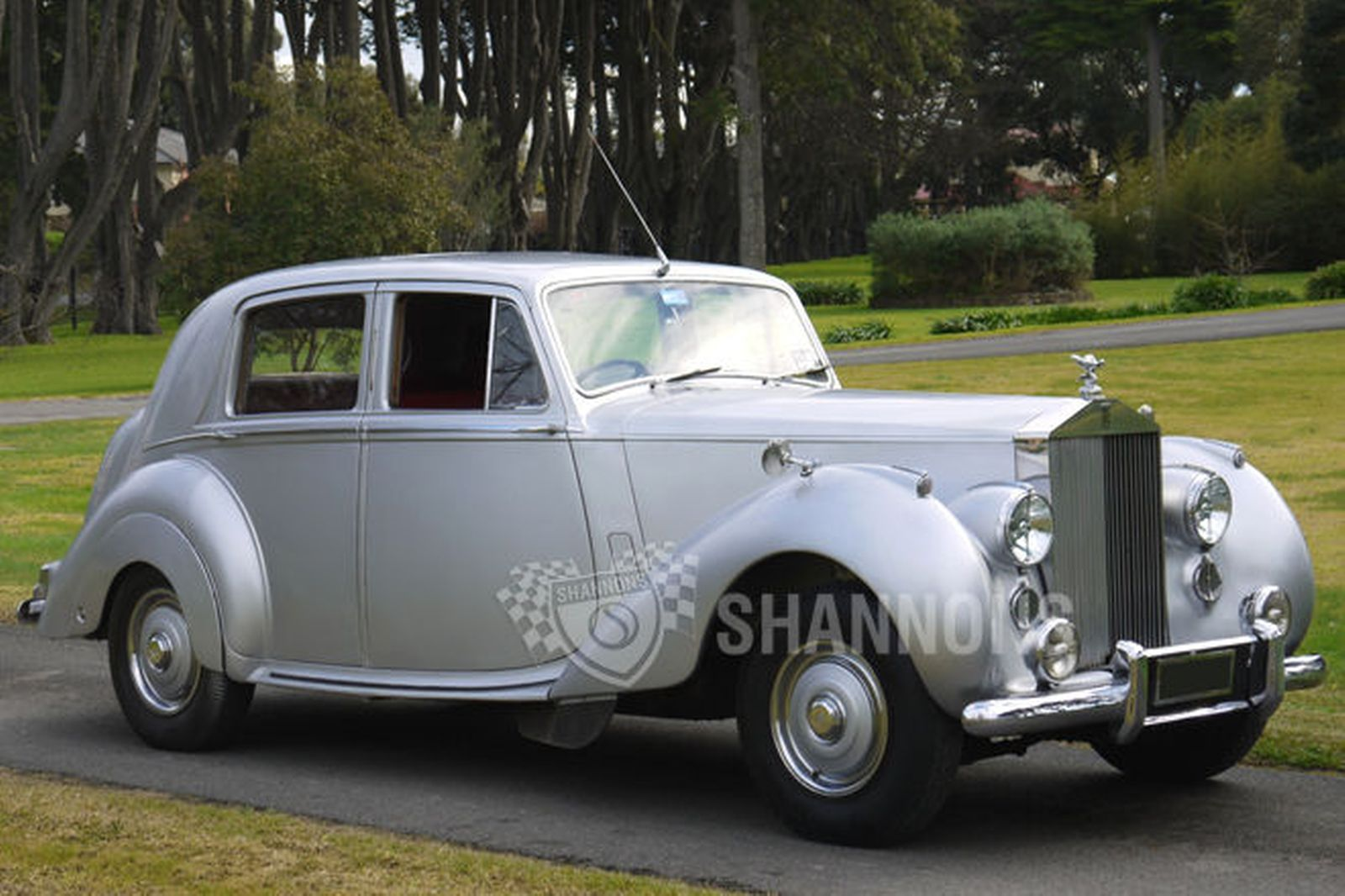 Rolls royce saloon photo - 10