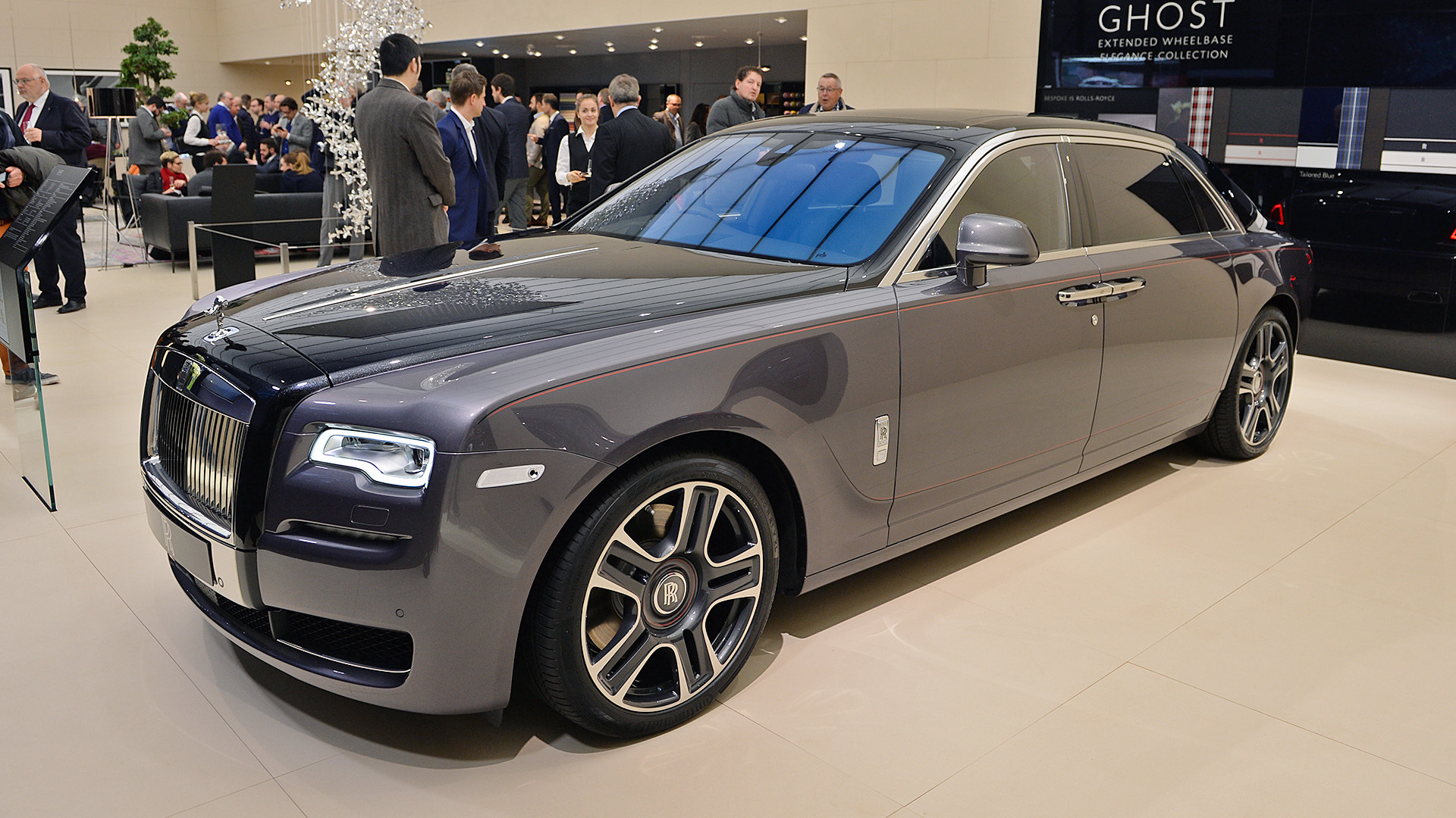 Rolls royce with photo - 8