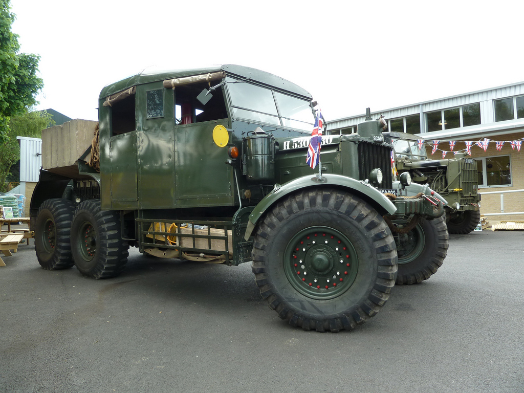 Scammell tractor photo - 3