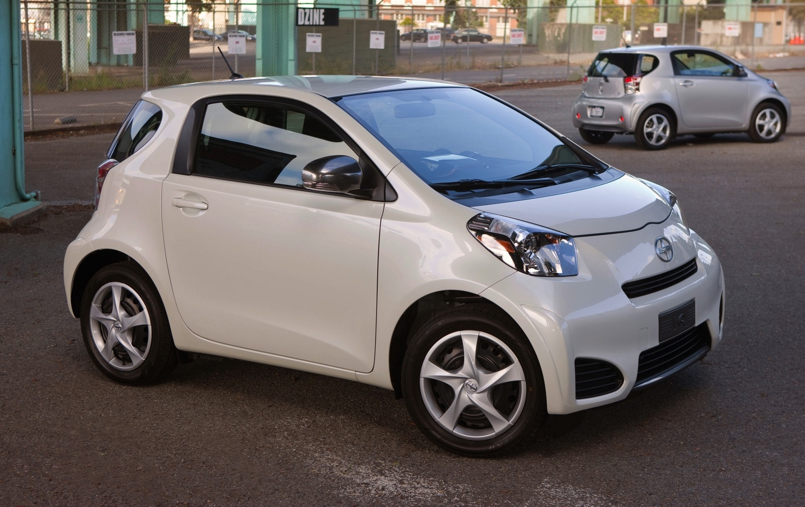 Scion iq photo - 5