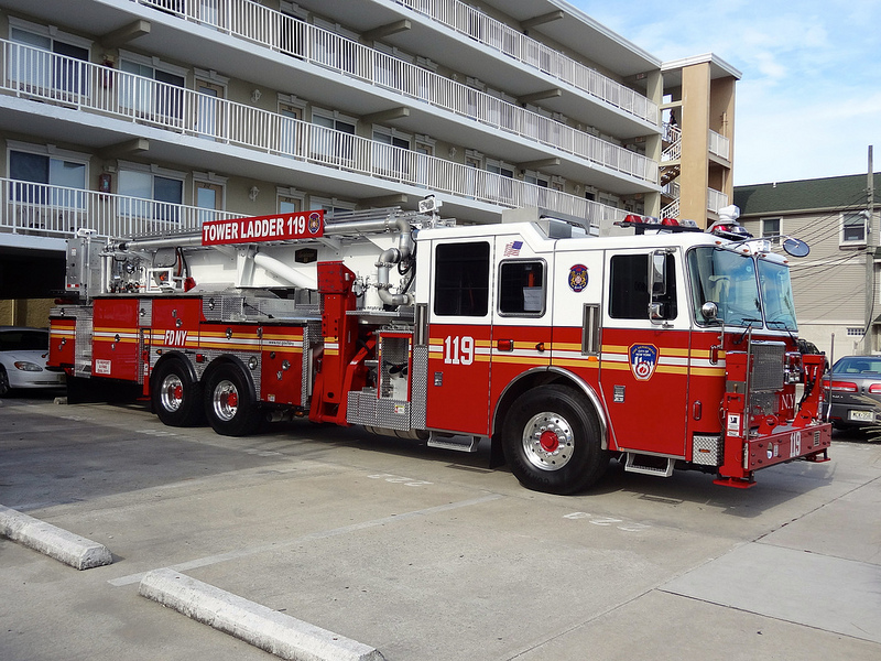 Seagrave ladder photo - 7