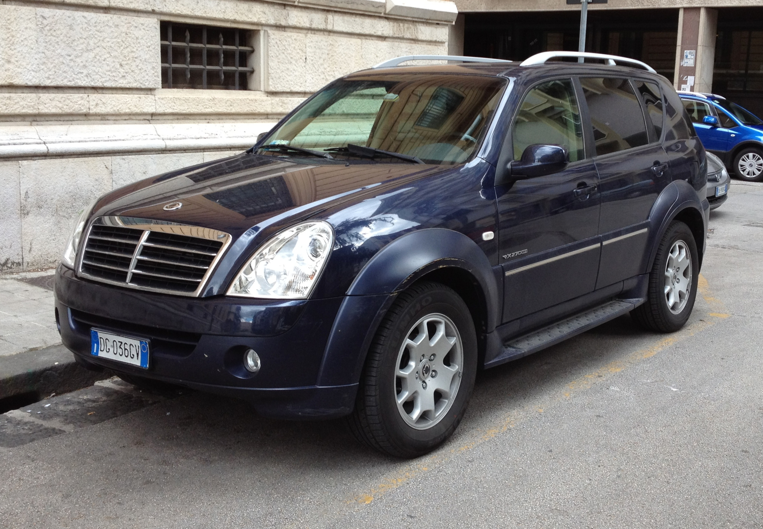 Ssangyong 270 photo - 4