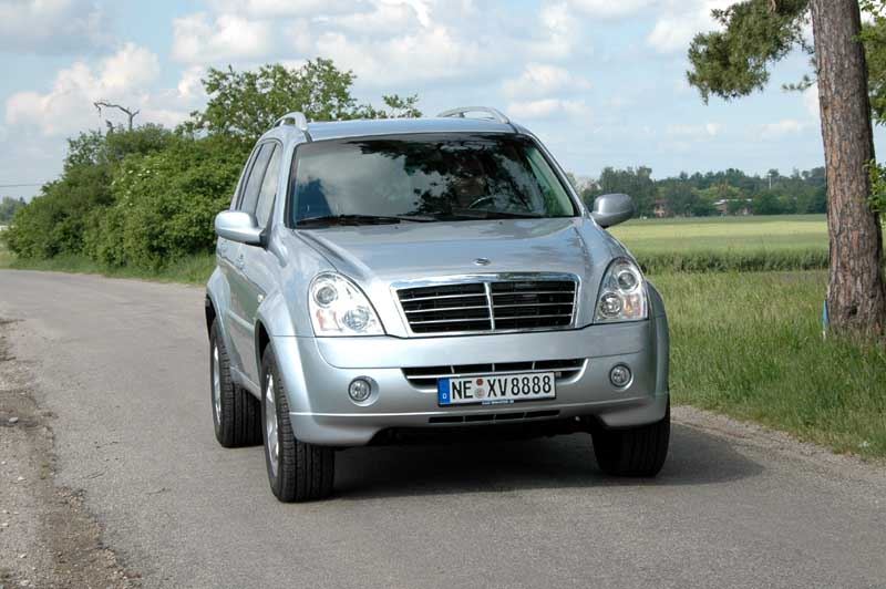 Ssangyong 270 photo - 9