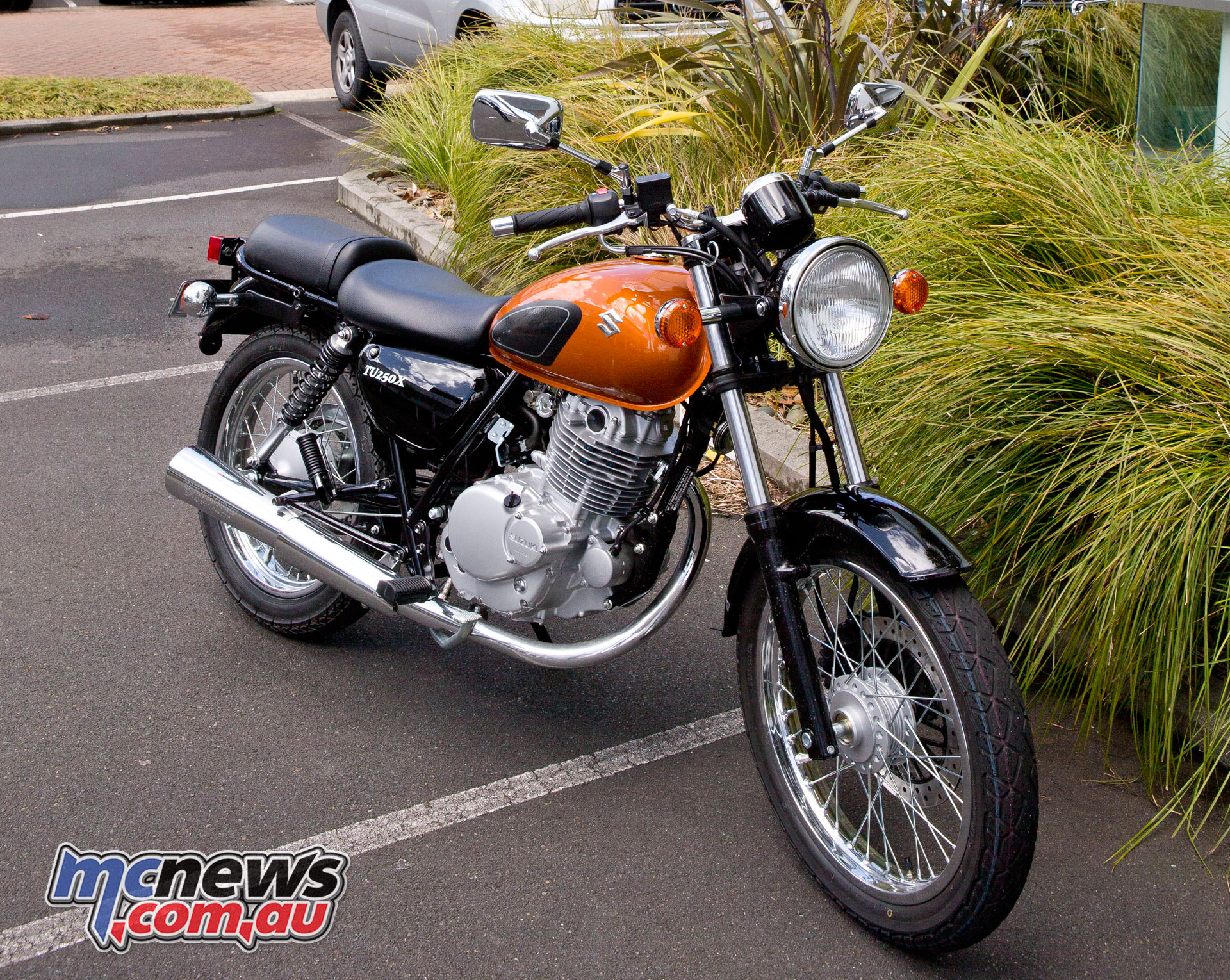 Suzuki 250 photo - 3