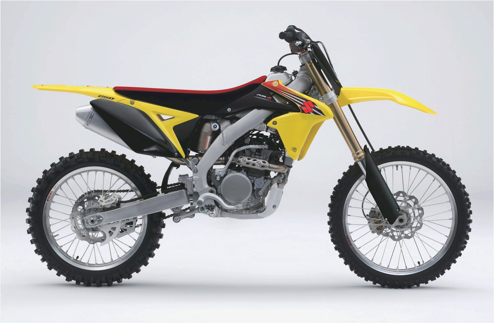 Suzuki 250 photo - 7