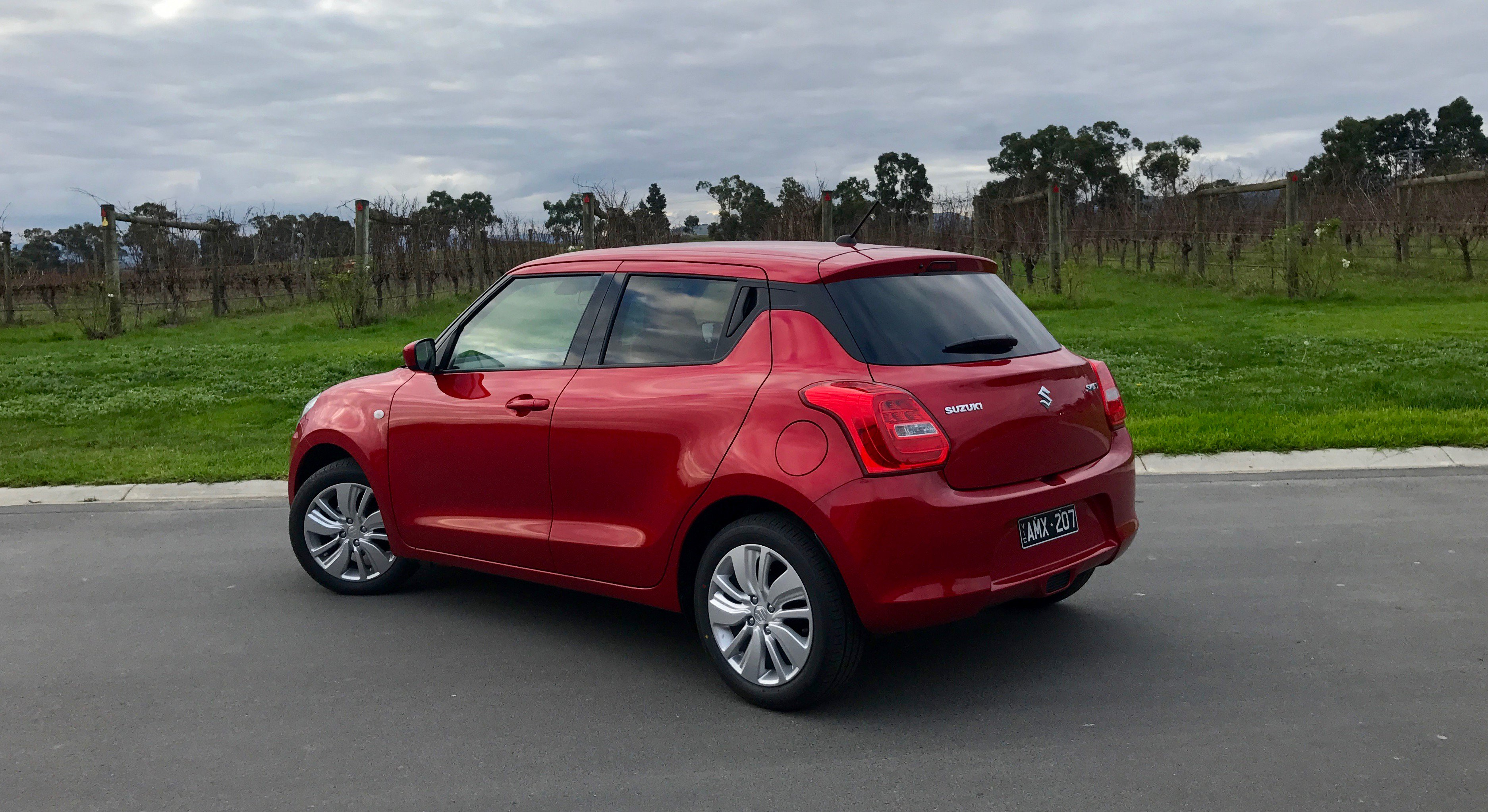 Suzuki swift photo - 6
