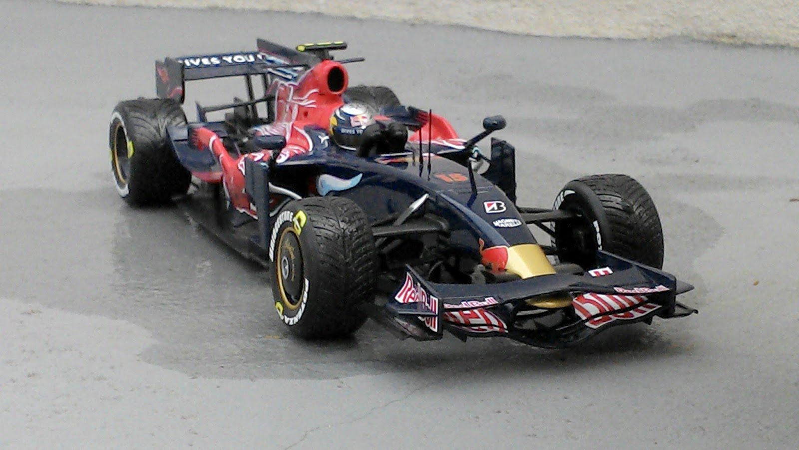 Toro rosso str3 photo - 10