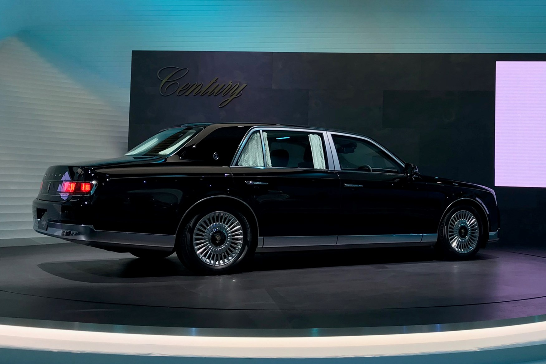 Toyota century photo - 4
