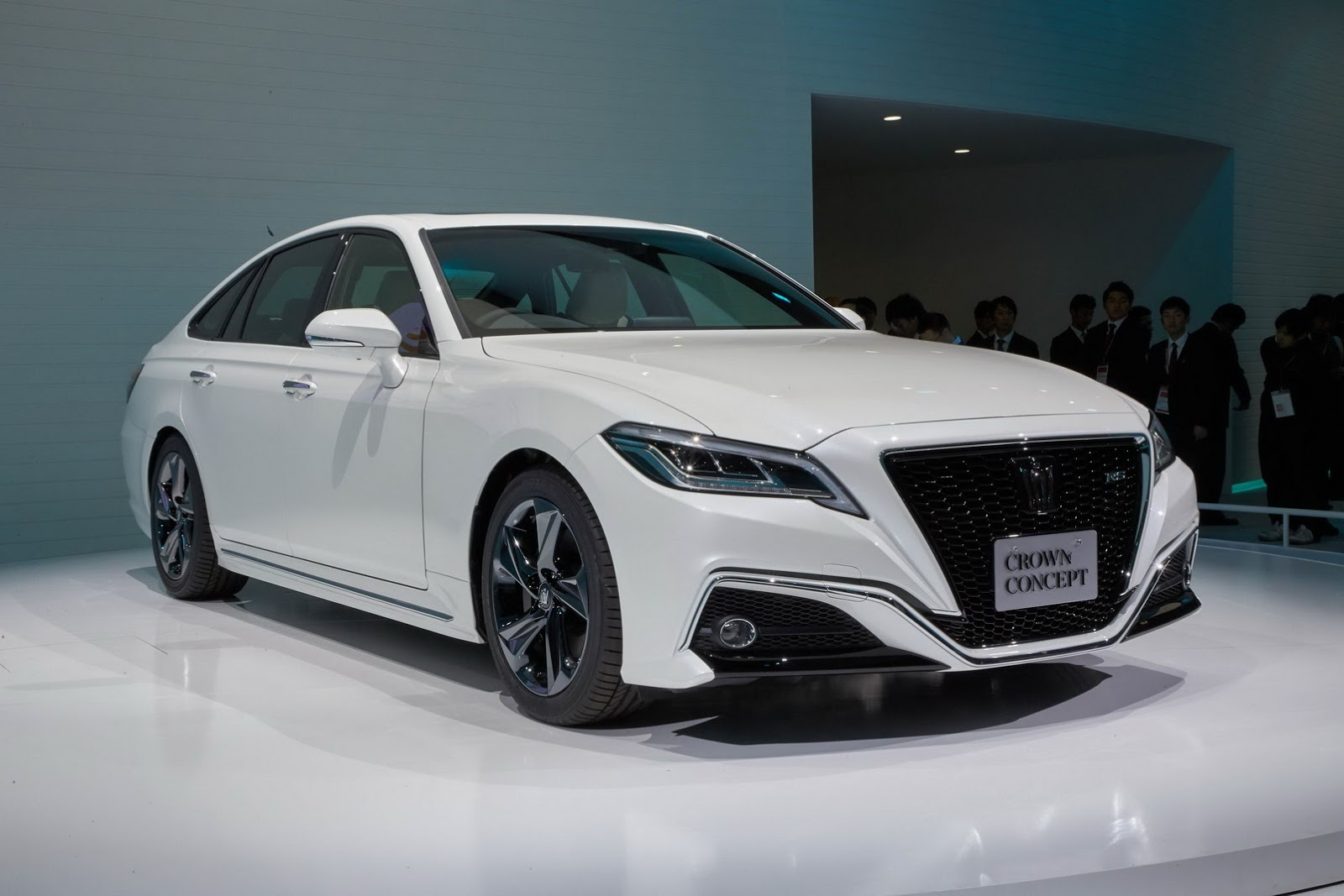 Toyota crown photo - 1