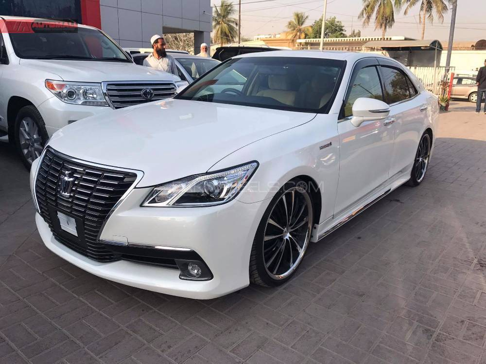 Toyota crown photo - 5