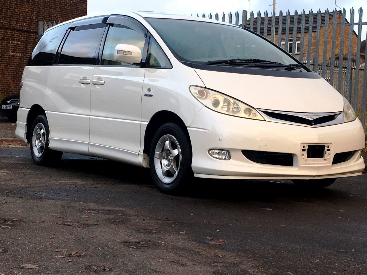 Toyota estima photo - 8
