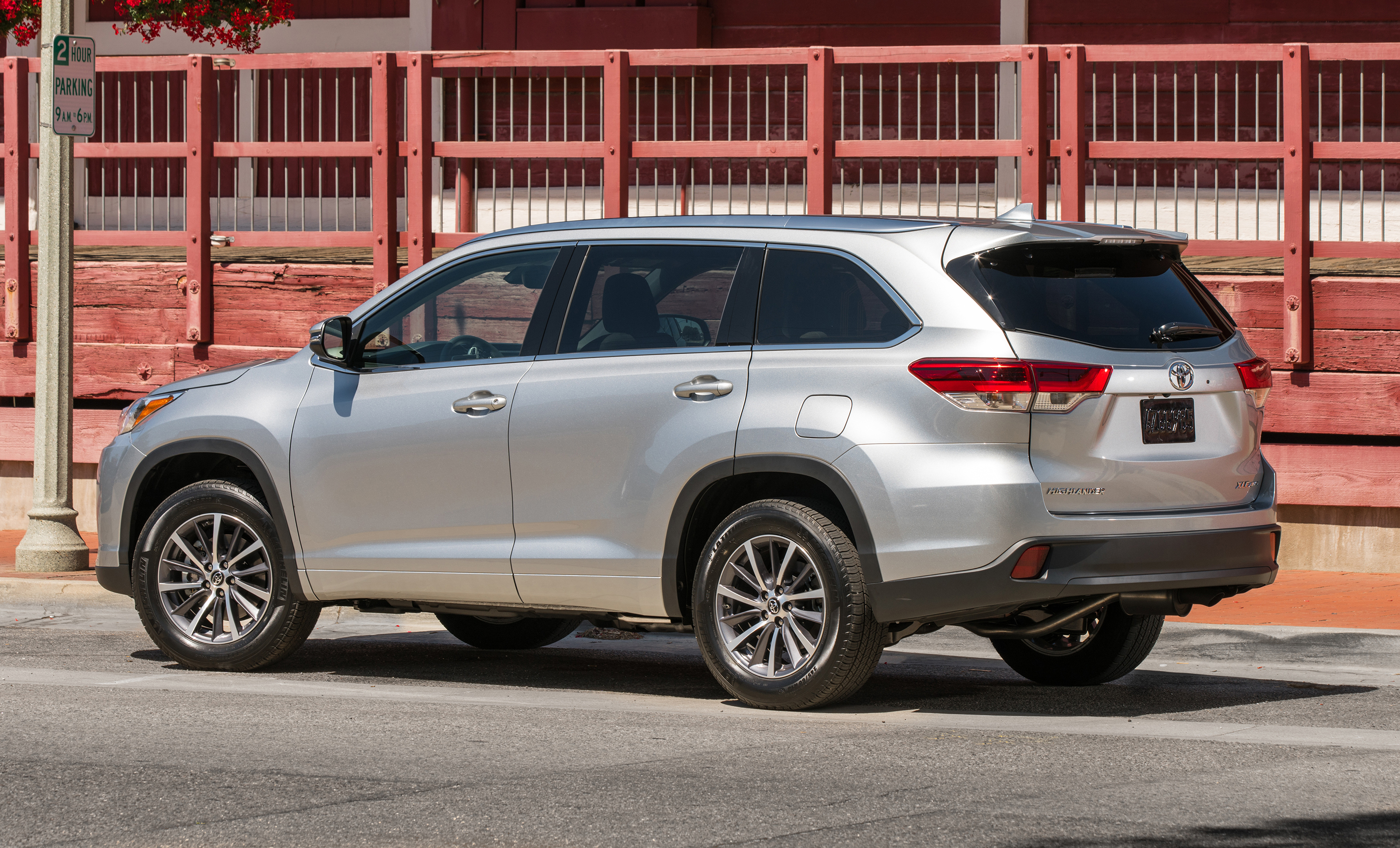 Toyota kluger photo - 7