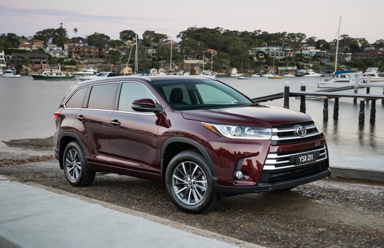 Toyota kluger photo - 8