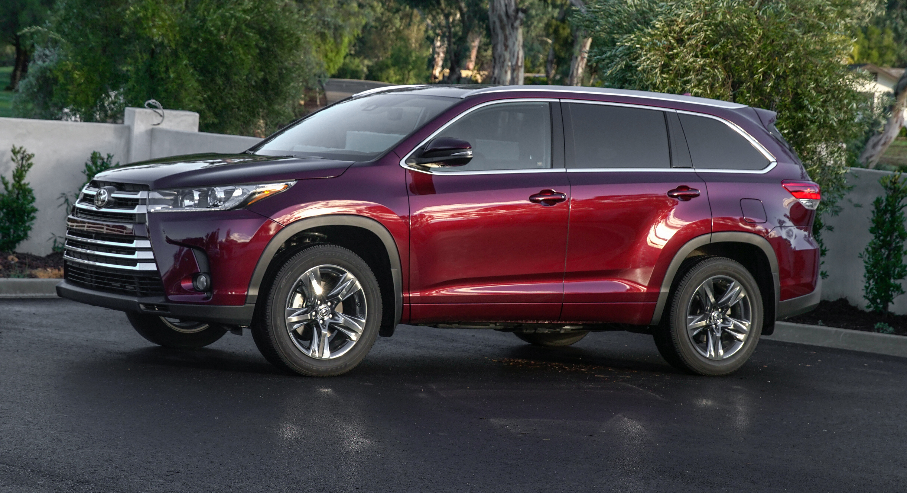 Toyota kluger photo - 9