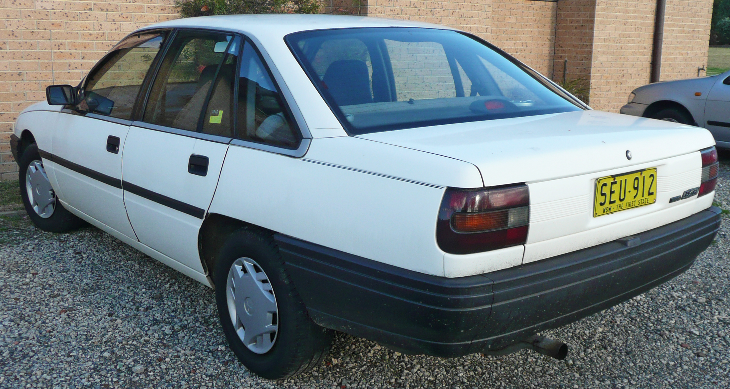 Toyota lexcen photo - 2