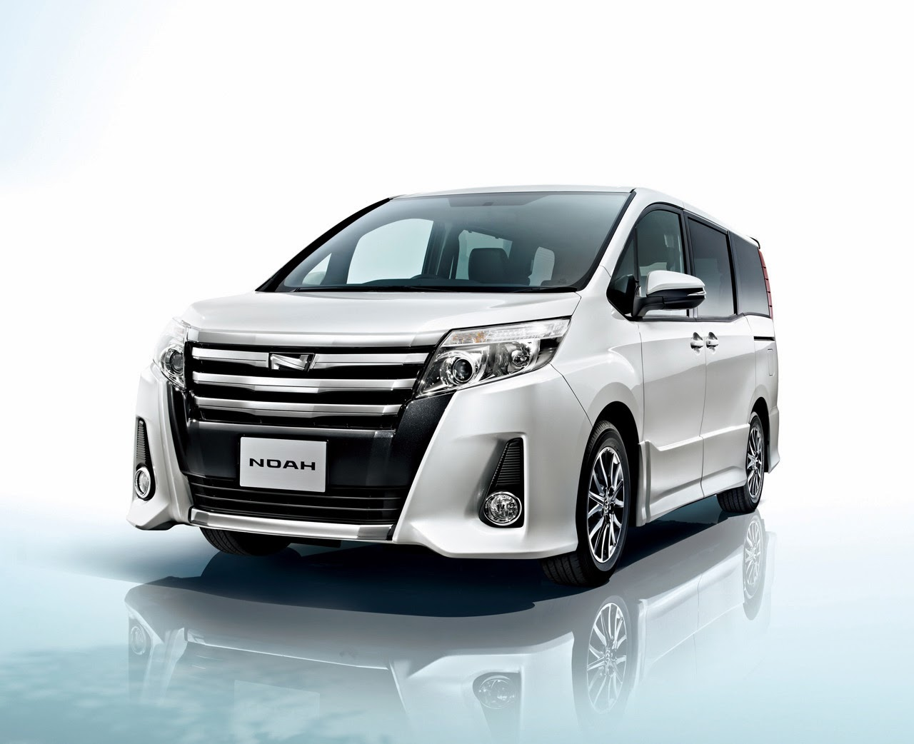 Toyota noah photo - 6