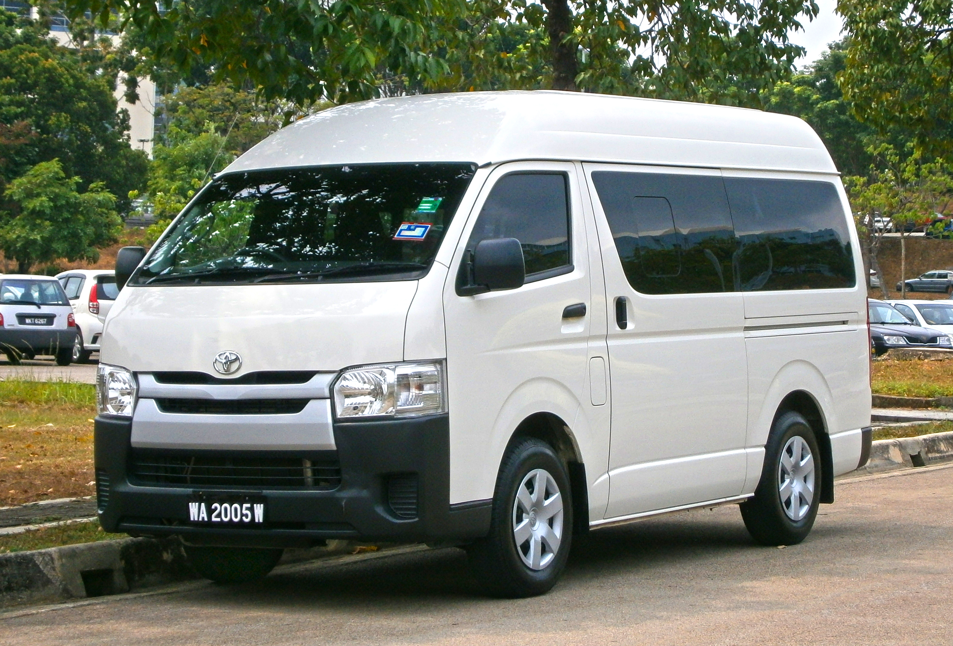 Toyota van photo - 4