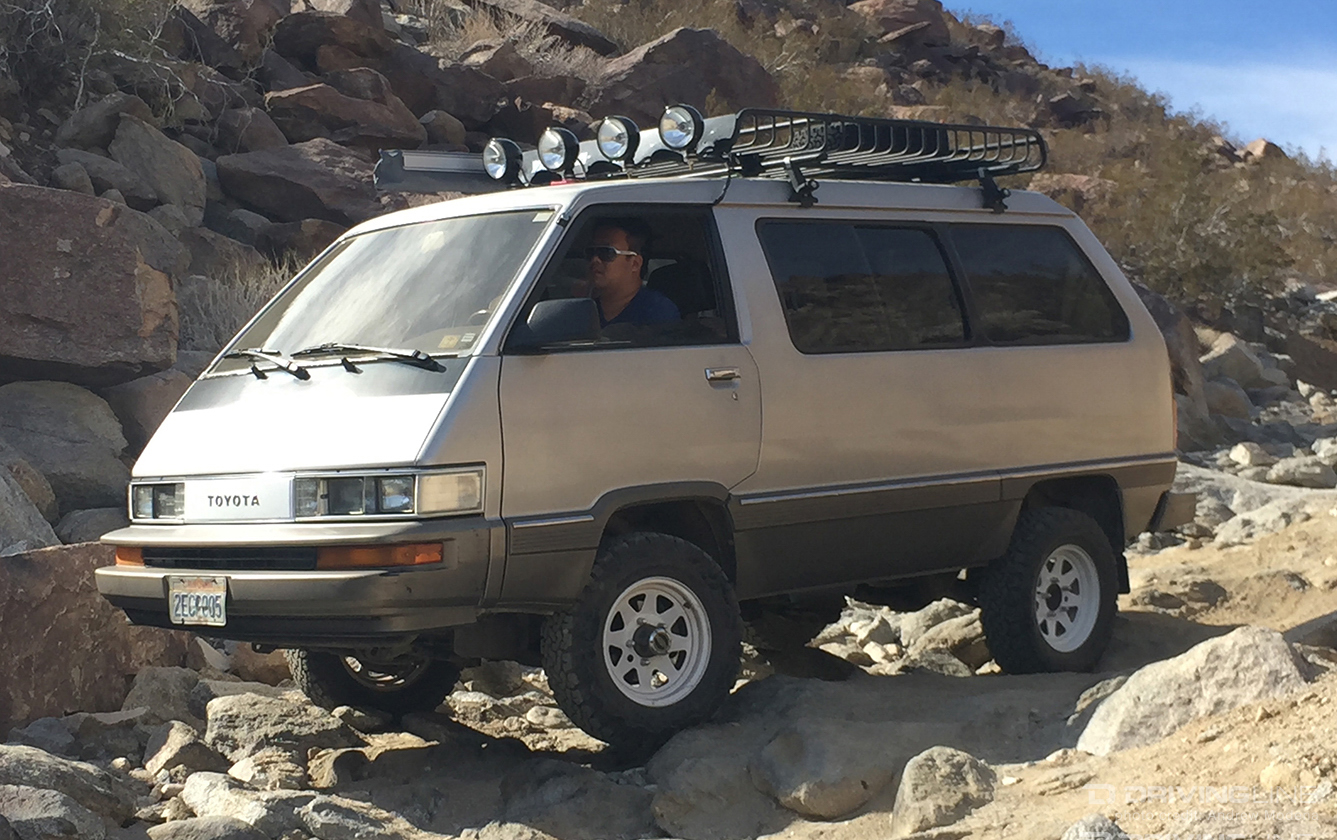 Toyota van photo - 9