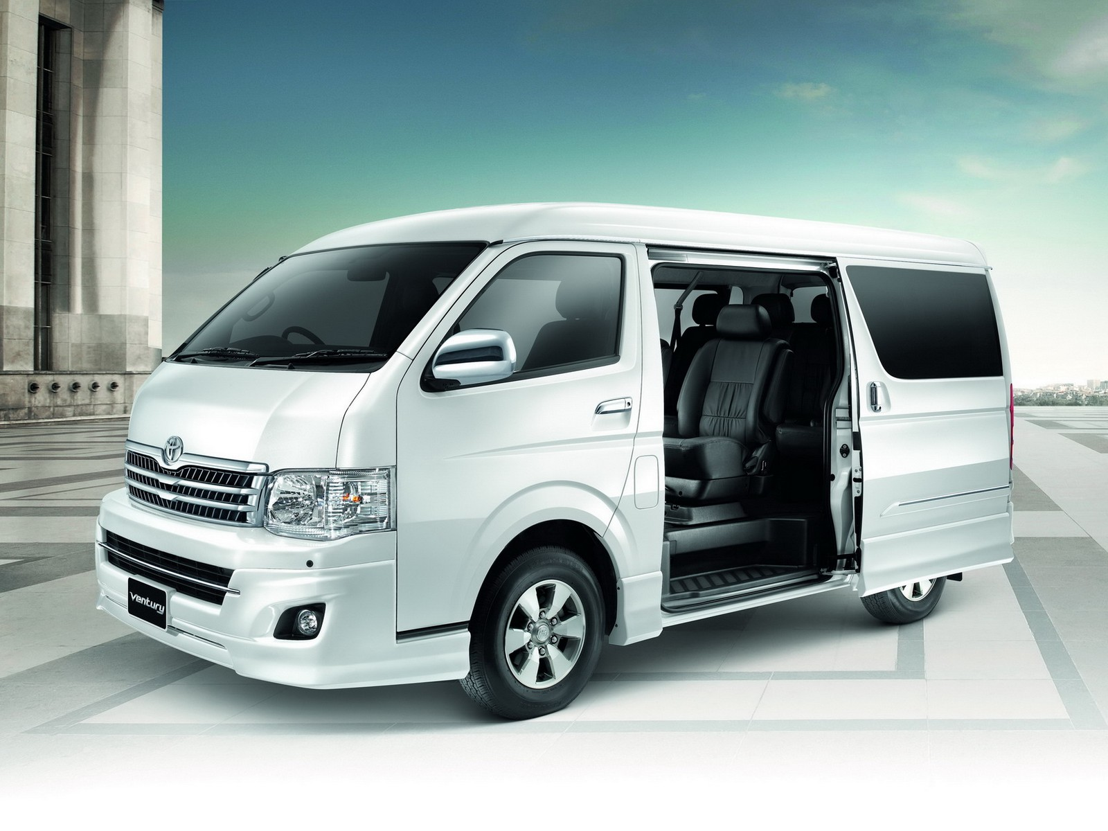 Toyota ventury photo - 4