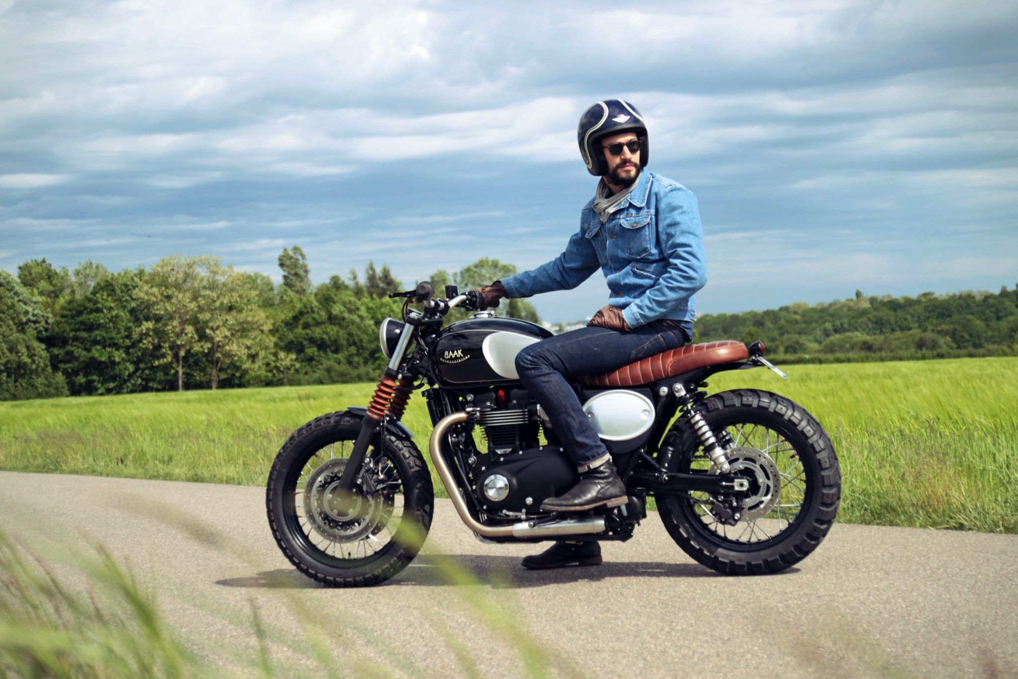 Triumph bonneville photo - 9