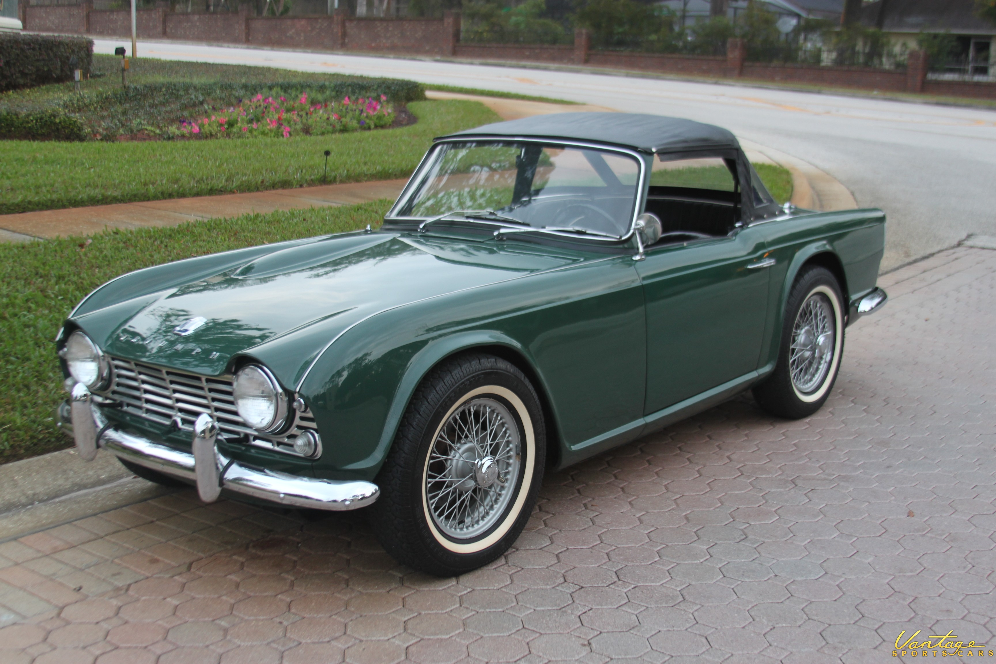 Triumph tr4 photo - 2