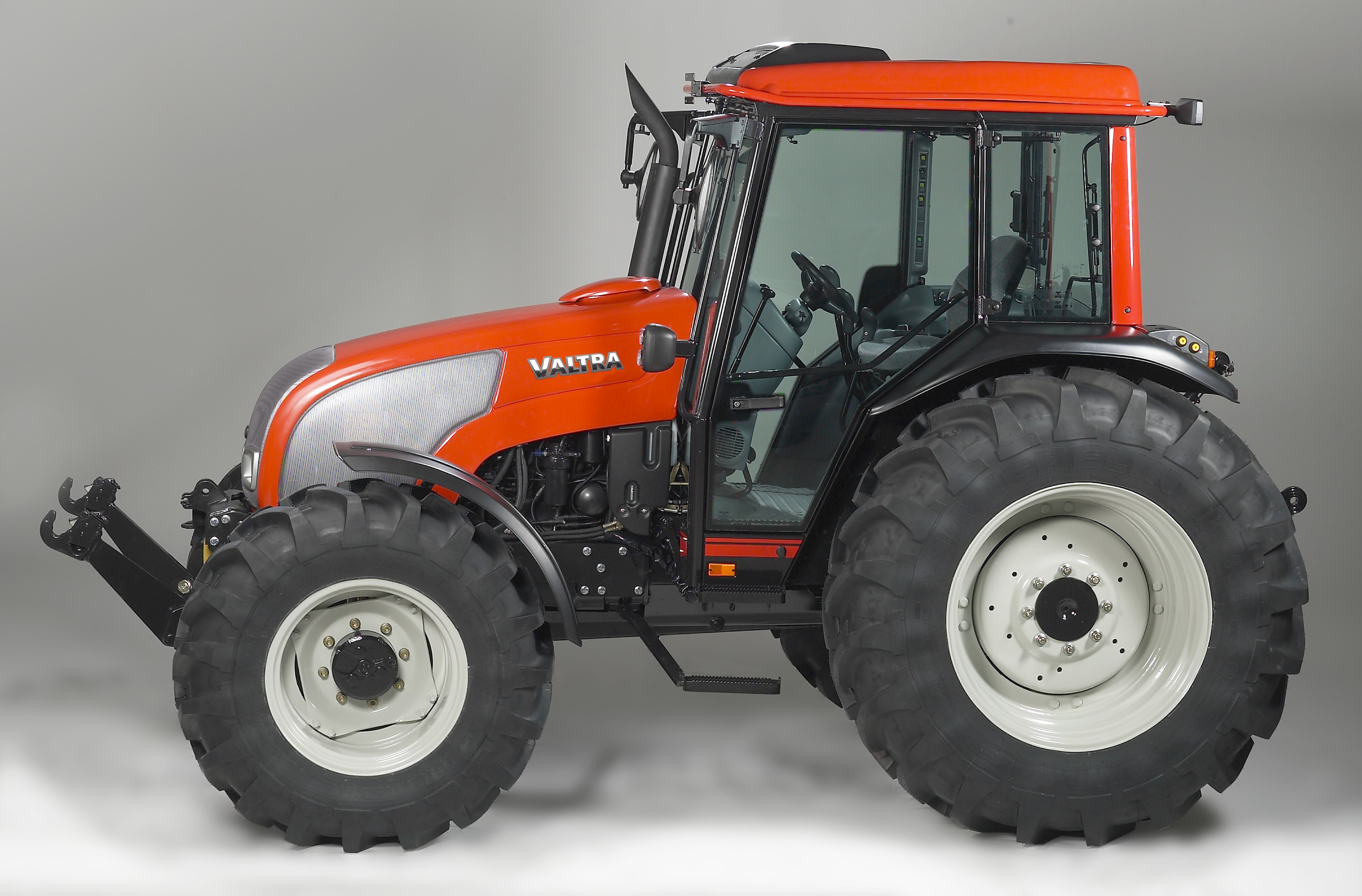 Valtra a-series photo - 1
