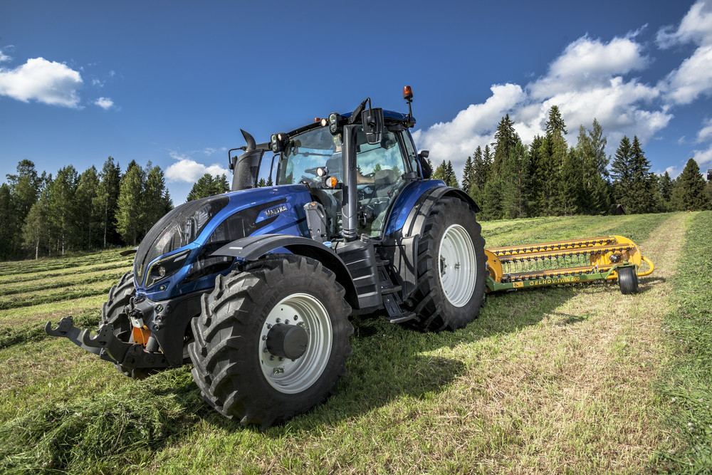 Valtra a-series photo - 10
