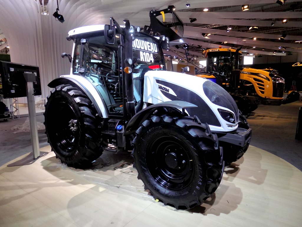 Valtra a-series photo - 2