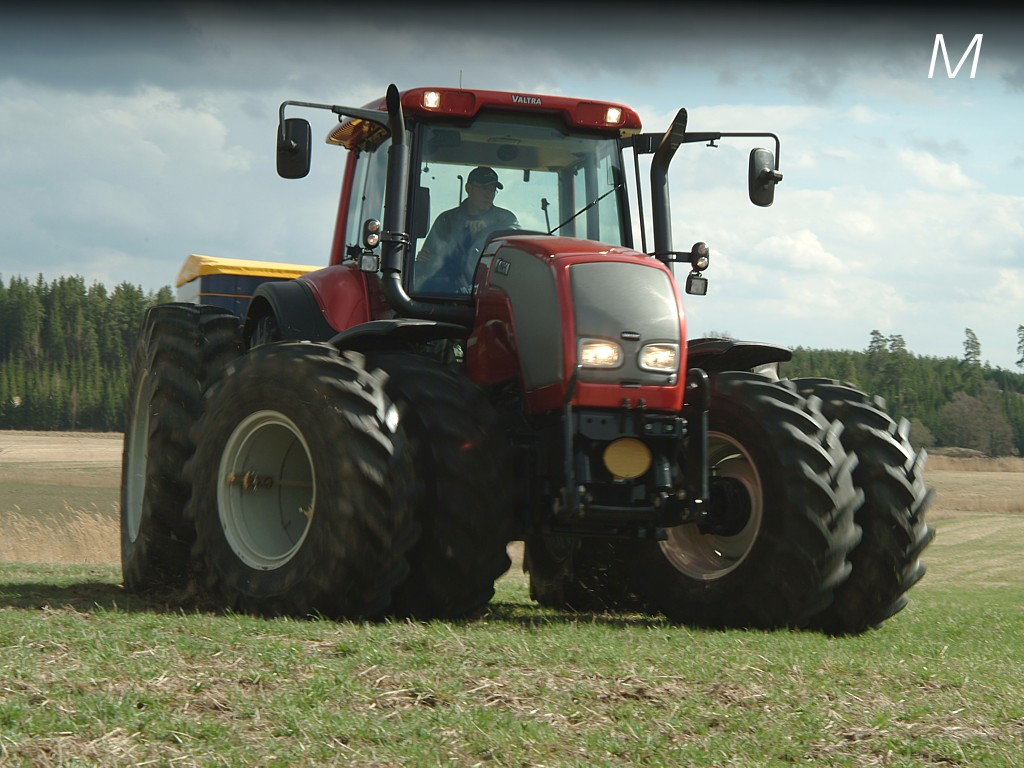Valtra a-series photo - 4