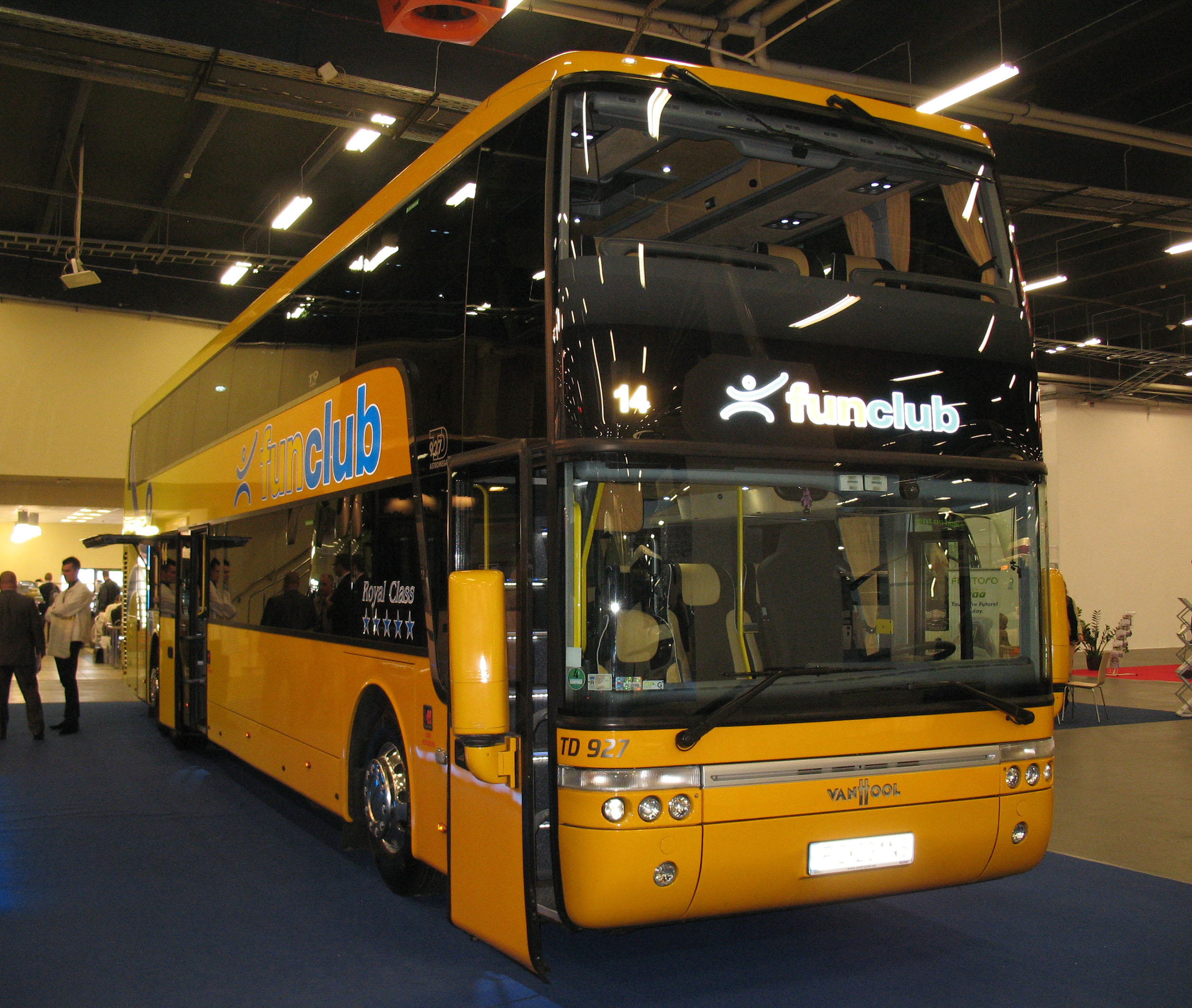 Vanhool astromega photo - 10