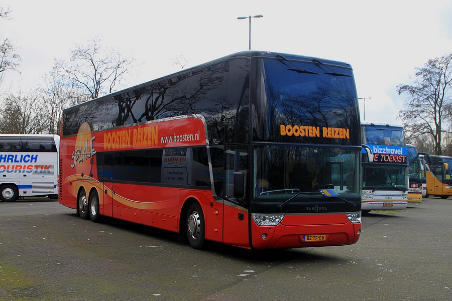 Vanhool astromega photo - 6