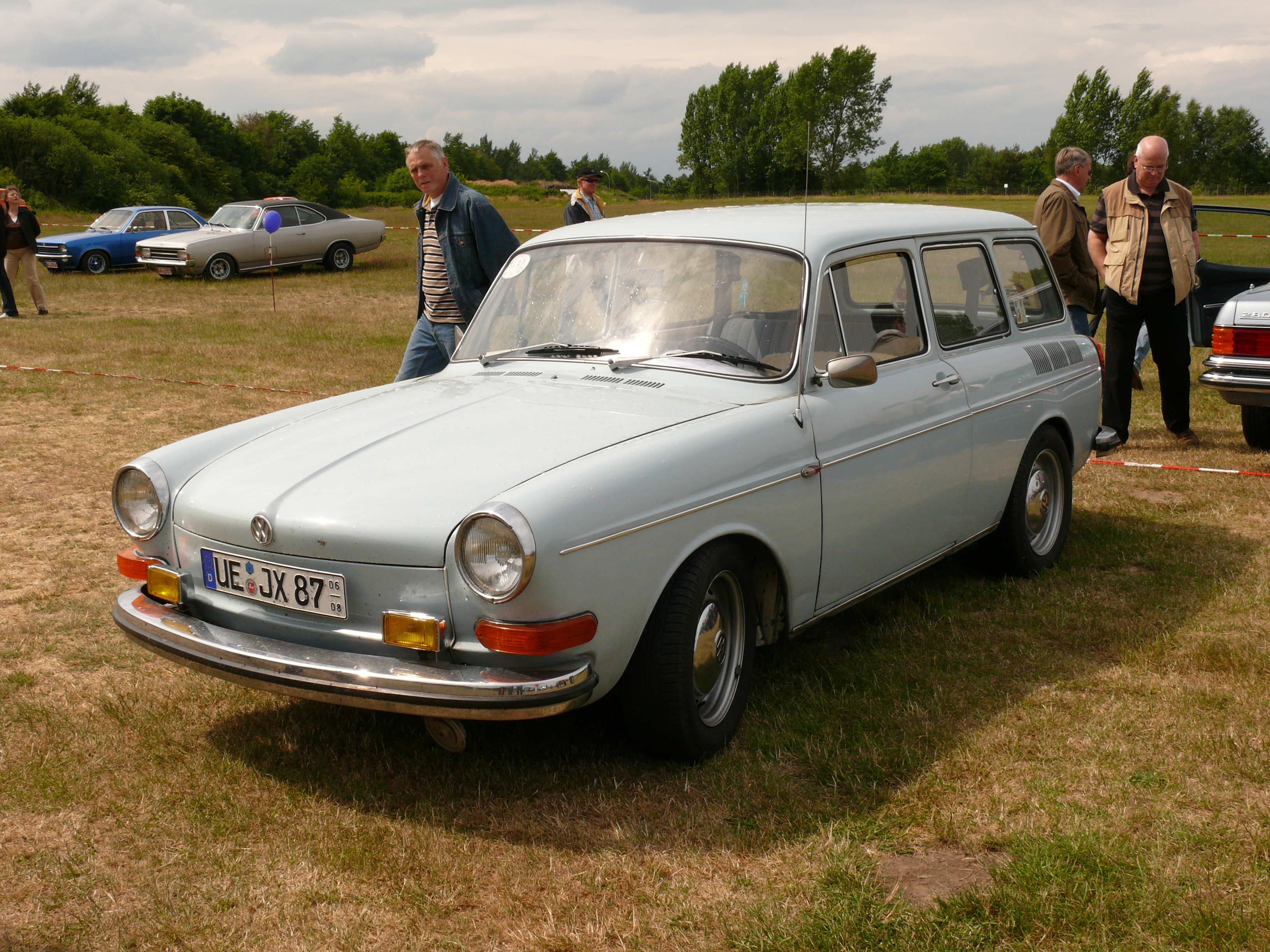 Volkswagen 1600 photo - 9