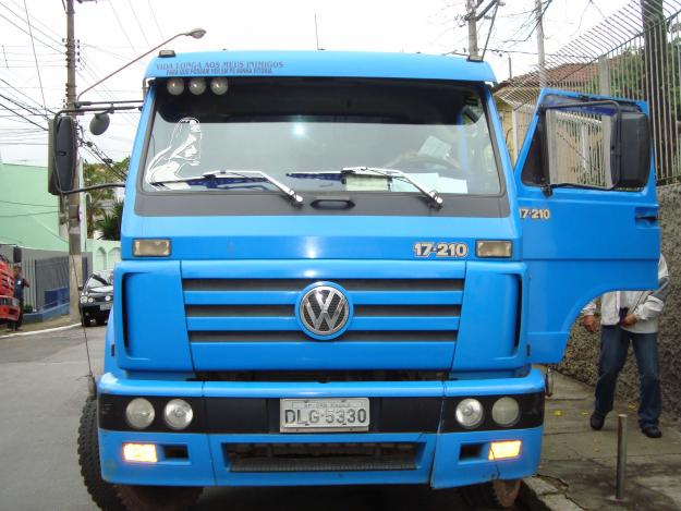 Volkswagen 17-210 photo - 2