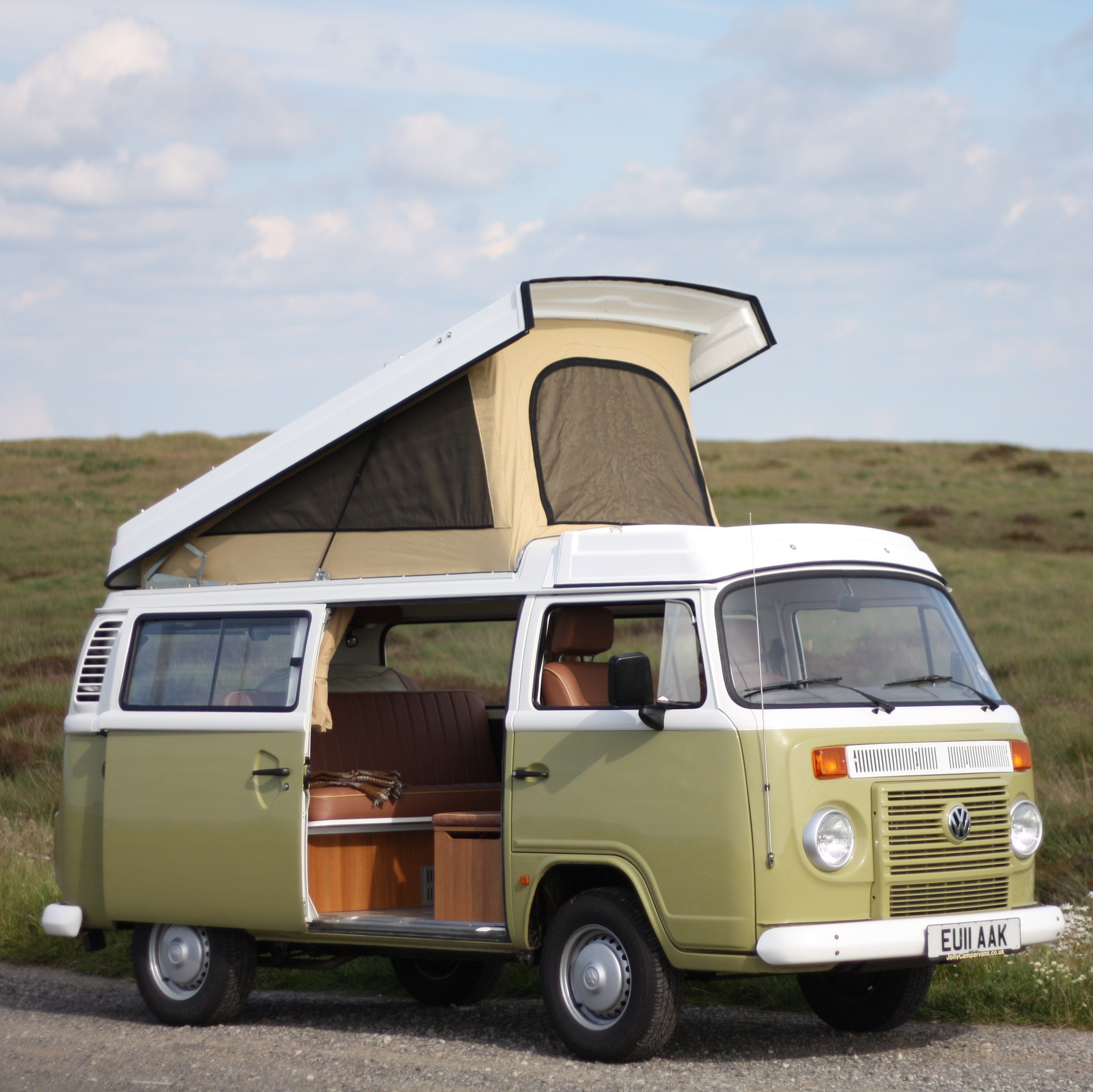 Volkswagen camper photo - 3
