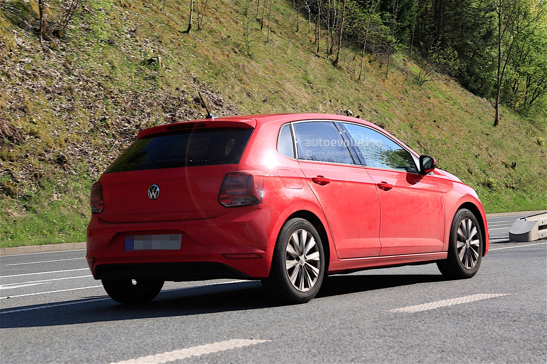 Volkswagen polo photo - 5