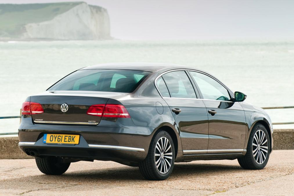 Volkswagen saloon photo - 5