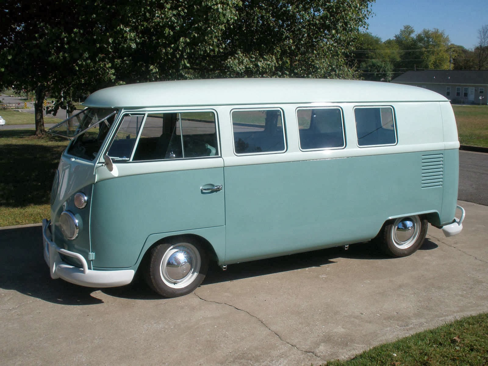 Volkswagen standard photo - 9